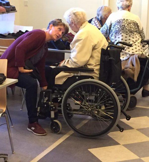 Individuel vejledning fra den udekørende skohandler til ældre